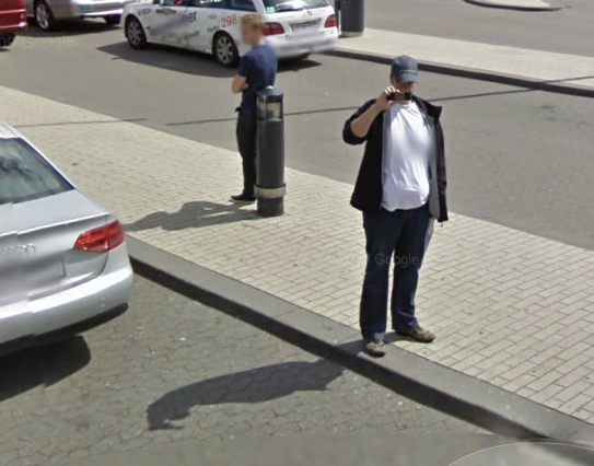 Street View-bilen bliver fotograferet